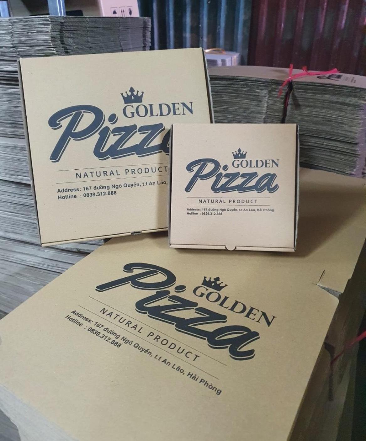 In số lượng lớn hộp bánh pizza